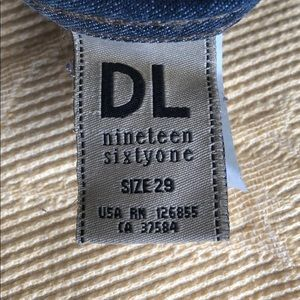 DL 1961 Premium Denim Skinny Jean - print